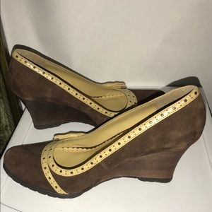 New Reaction Kenneth Cole Brown Suede Wedge 8 1/2M